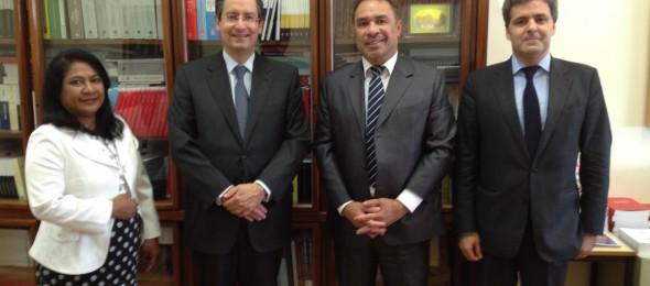 Ministro dos Negócios Estrangeiros de Timor-Leste reúne com o Presidente do Instituto de Cooperação Jurídica